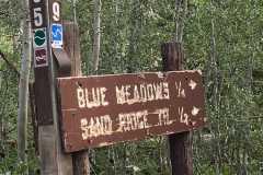 Trailhead-sign